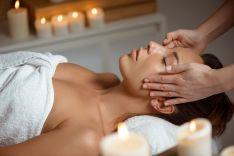 Japoniškas terapinis veido masažas