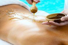 Kūno įtrynimas medumi (masažas)
