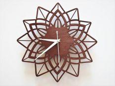 Sieninis laikrodis pjautas lazeriu