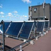 Saulės kolektorių valymas