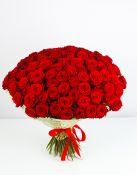 100 raudonų rožių puokštė