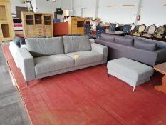 Sofa su pufiku