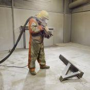 Metalo smėliavimas, paruošimas dažymui.