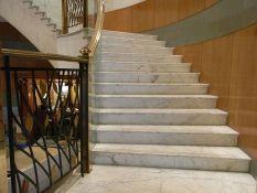 Laiptai iš natūralaus akmens