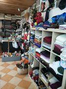 Tekstilės gaminiai, rankų darbo papuošalai