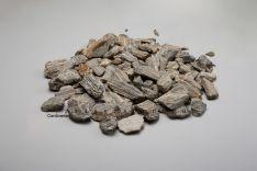 Medžio akmens skalda