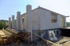 Mūrinių namų statybos darbai