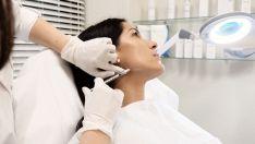Radiesse (kalcio hidroksilapatito) injekcijos veido kontūravimui