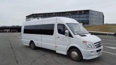 Mikroautobuso nuoma su vairuotoju 23+1