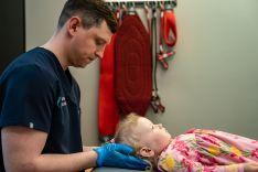 Kūdikių kaukolės deformacijos gydymas