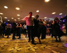 Pramoginių šokių pamokos suaugusiems