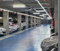 Automobilių palydos ir srautų valdymo sistemos