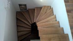 Mediniai laiptai, gamyba,įrengimas.Turėklai.