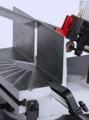 Metalo profilių pjovimas juostinėmis pjovimo staklėmis