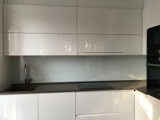 Virtuvinės stiklo sienelės