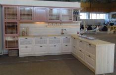 Dažyto masyvo virtuvės baldai Tauras 5
