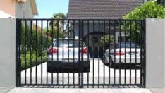 Metaliniai kiemo vartai ir varteliai