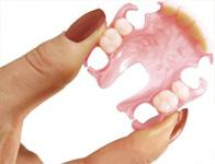 Elastiniai išimami dantų protezai