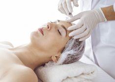 Mezoterapijos gydomoji procedūra veido srityje