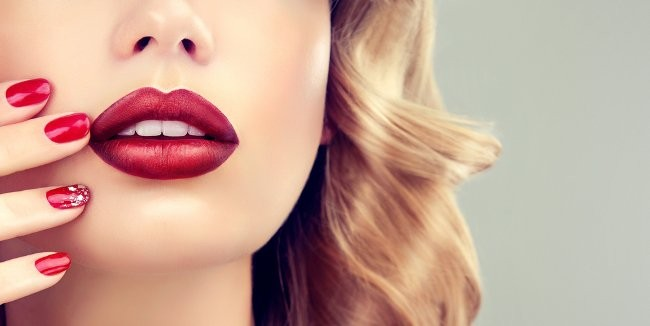 Hialurono rūgštis lūpų putlinimui