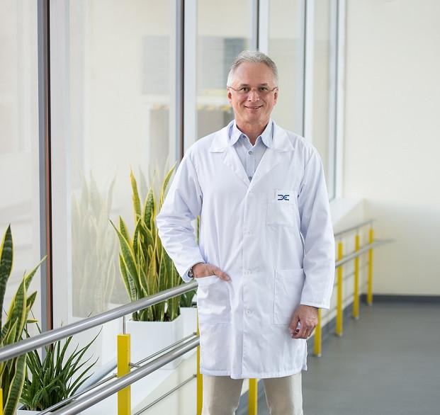 Plastinės-estetinės chirurgijos ir dermatologijos centro vadovas Renaldas Vaičiūnas