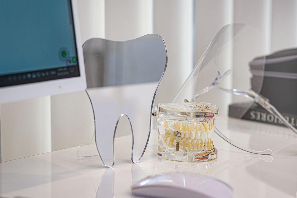 Kada reikia šalint klibantį dantį?