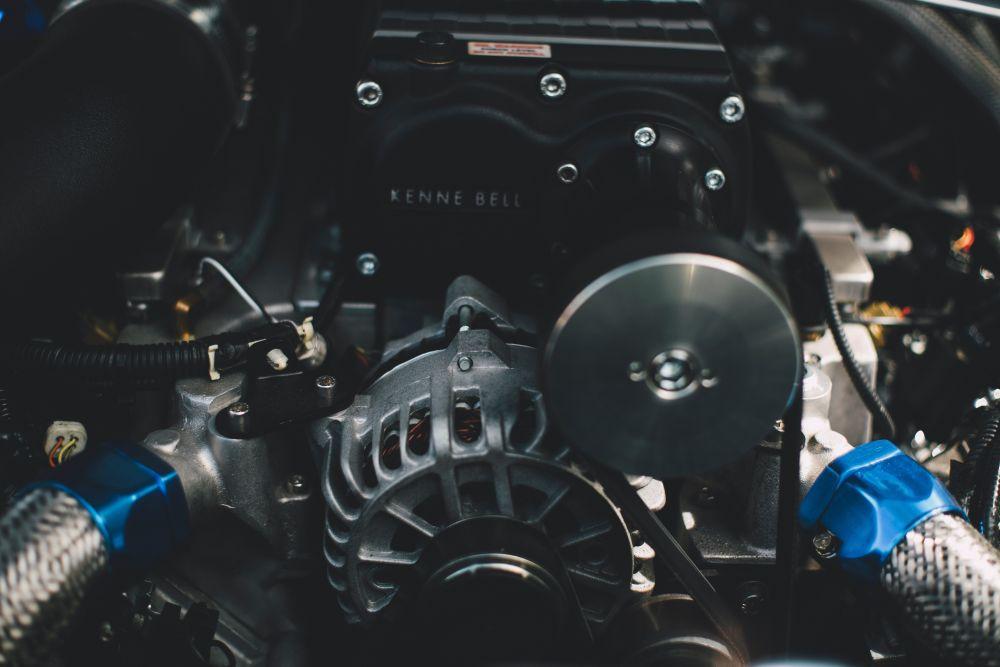 Kokias automobilio dalis galima keisti tik naujomis?