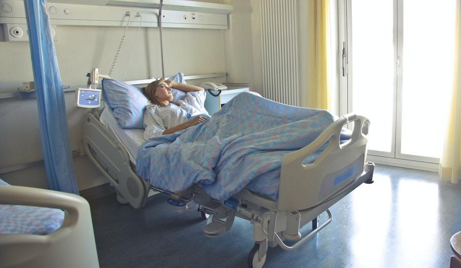 Tarnaujančios žmogui slaugos priemonės