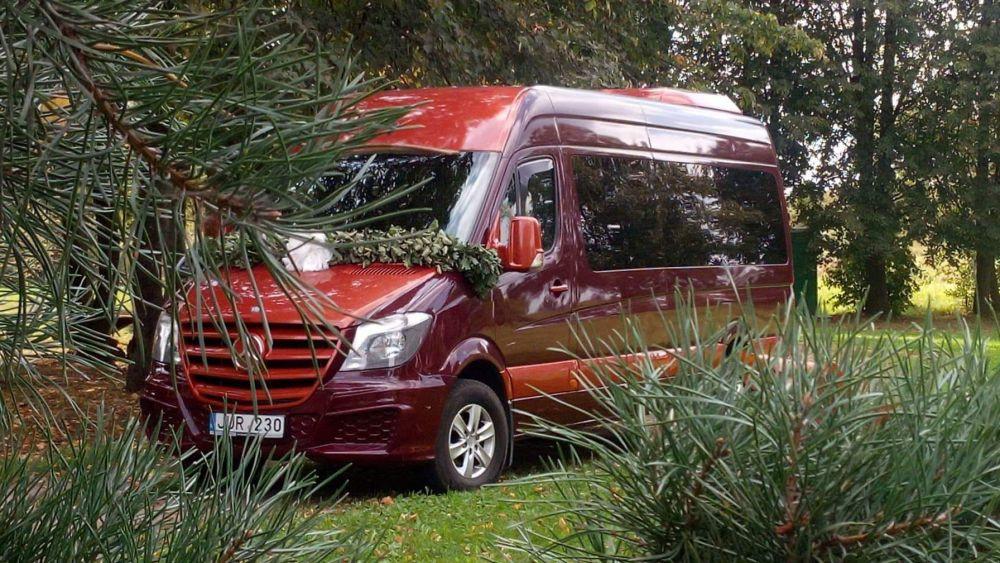 Mikroautobusų ir autobusų nuoma su vairuotoju