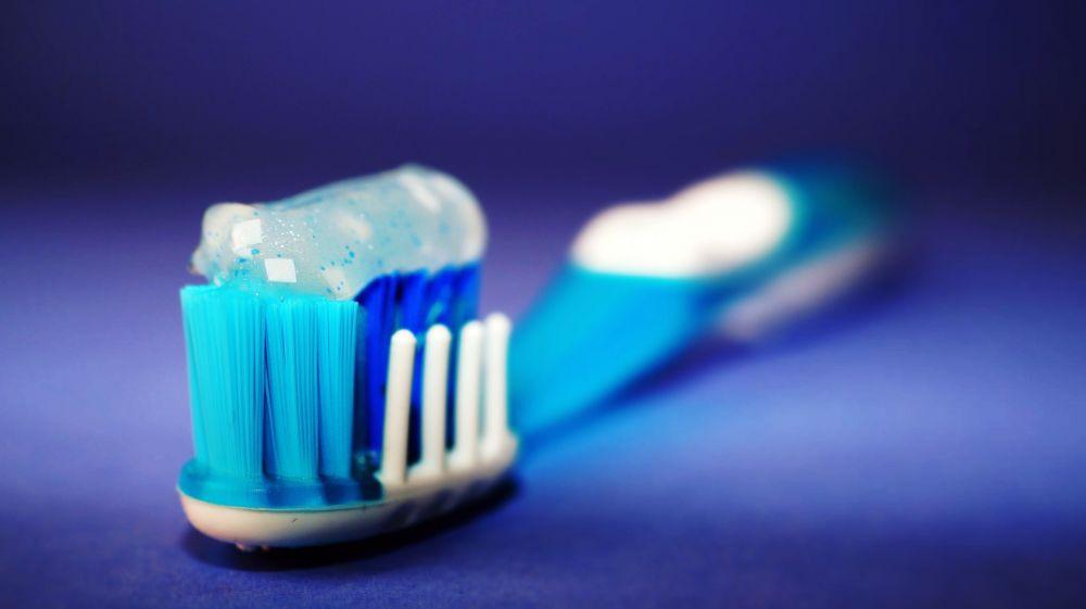 Dantų protezavimas: kaip prižiūrėti dantis po dantų atkūrimo