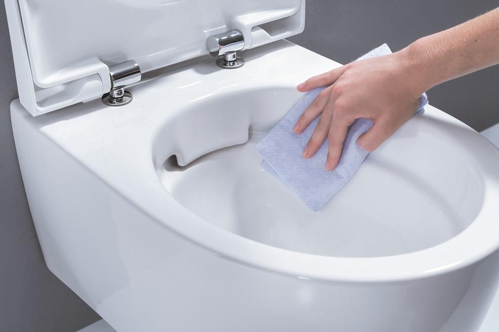 Mažos WC erdvės pandemijos metu tampa dar pavojingesnės: kaip užtikrinti tinkamą jų higieną?