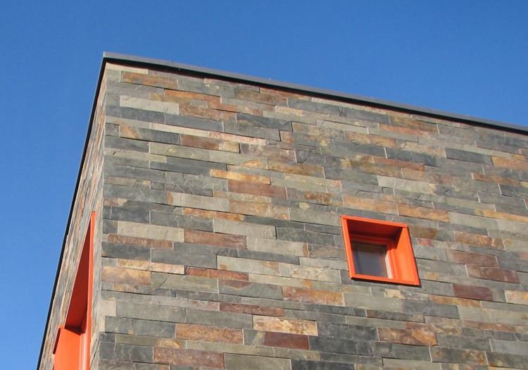 Natūralaus akmens fasadai