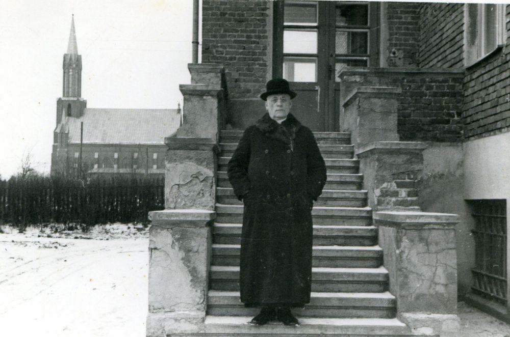 Palaimintasis Teofilius Matulionis. 1943 m. Kaišiadorių vyskupas