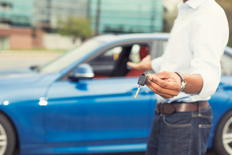 Paskola automobiliui ar lizingas: kuris pasirinkimas racionalesnis?