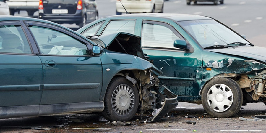 Ką daryti įvykus autoįvykiui?