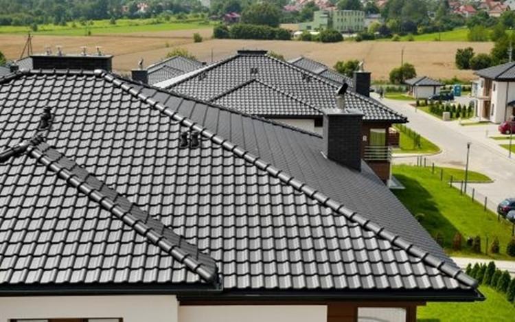 Keraminių čerpių stogas – ilgaamžiškumo, kokybės ir natūralumo derinys