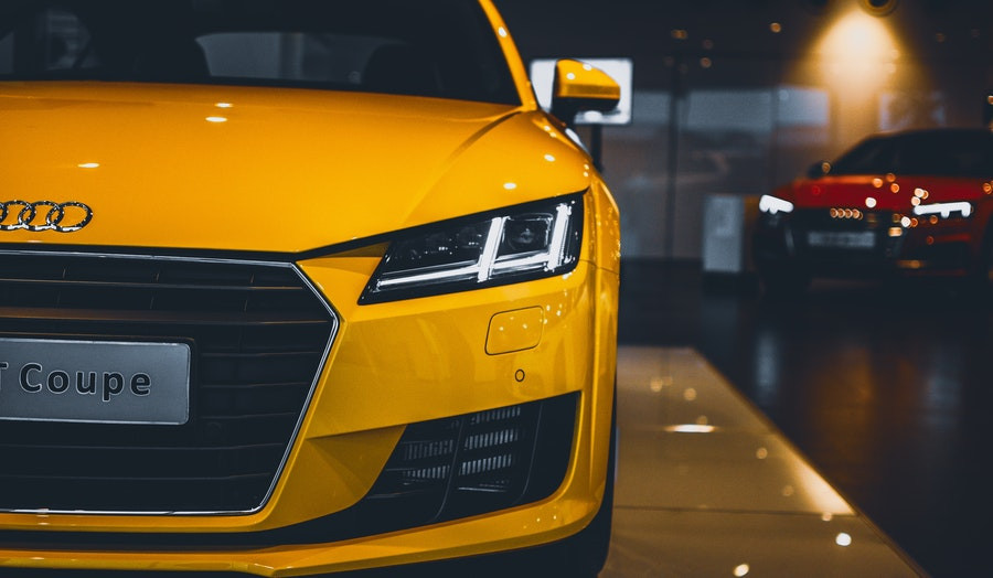 Kiek tarnauja lengvojo automobilio akumuliatorius?