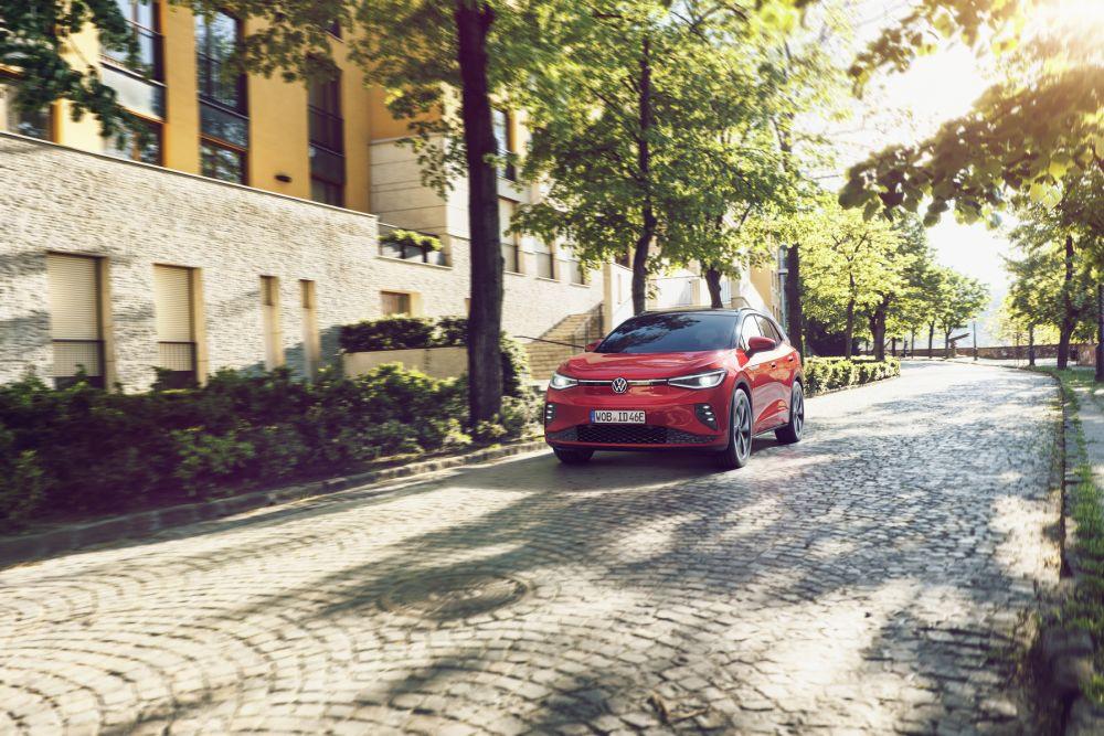 TOP 5 populiariausi elektromobilių gamintojai ir jų modeliai Lietuvoje