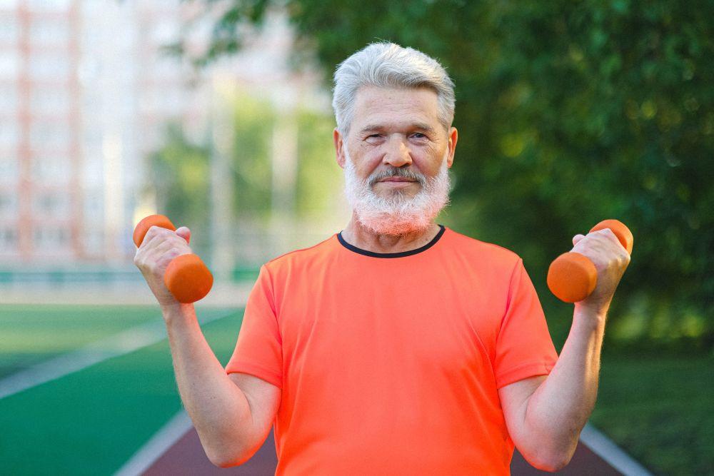 Geriausi kardio treniruokliai ir tokių treniruočių nauda senjorams