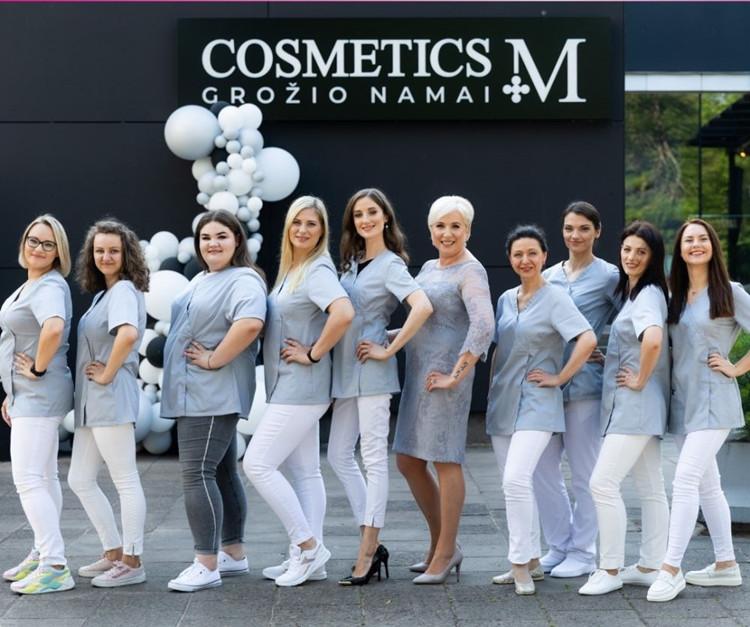 """Vilniaus širdyje atidarytuose grožio namuose """"Cosmetics M"""" – stilingų svečių būrys"""