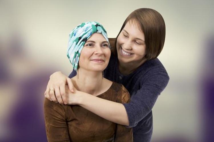 """""""Emandia"""" galvos apdangalai - stilingas būdas pasipuošti po gydymo chemoterapija"""